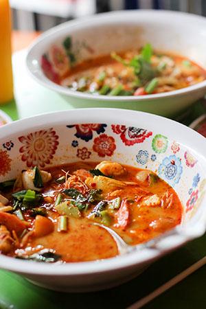 Tajlandia: TIPS & TRICKS Tom Yum Kung zupa z wołowiną